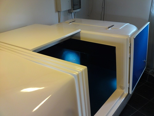 Open float tank